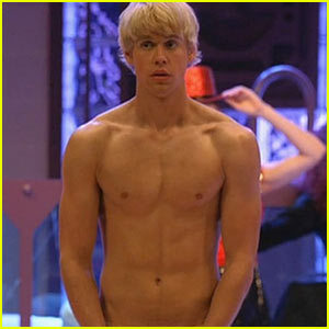 Chord-overstreet-shirtless_large