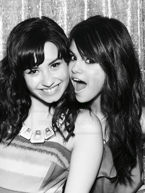 Selena Demi Selena Gomez And Demi Lovato 10301684 487 650_large