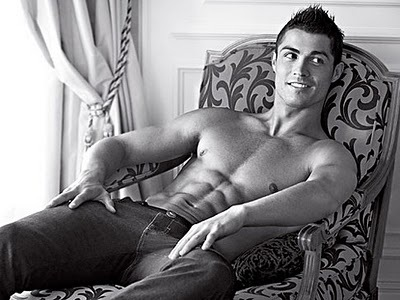 Cristiano+ronaldo+hot+pose_large
