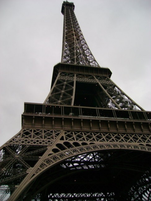 Tour_eiffel_by_batkins-487x650_large