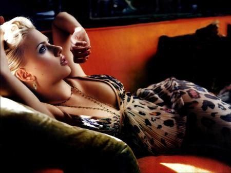 Scarlett-johansson-wallpapers-3_large