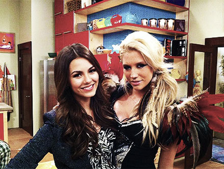 6a50kesha-victoria-justince-victorious_large