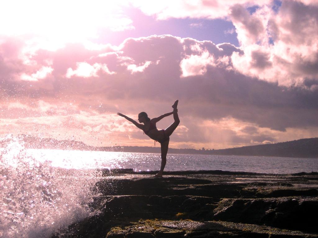 yoga photography art | We Heart It | yoga, sunset, and beach