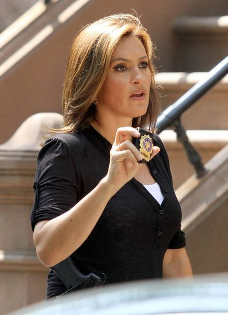 On-location-2010-law-and-order-svu-14722291-471-650_large