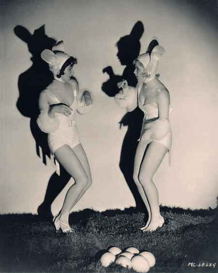 Silly-sexy-easter-bunny-girls_large