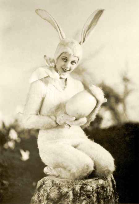Loretta-young-easter-bunny-photograph_large