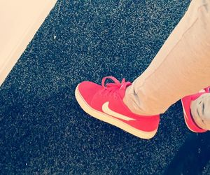 nike awesome red