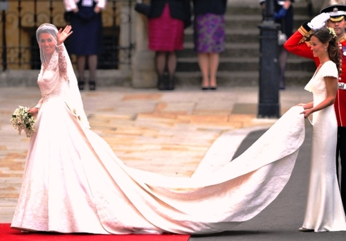Royal+wedding_dress_kate+middleton_sarah+burton_alexander+mcqueen_fumiko+kawa_04_large