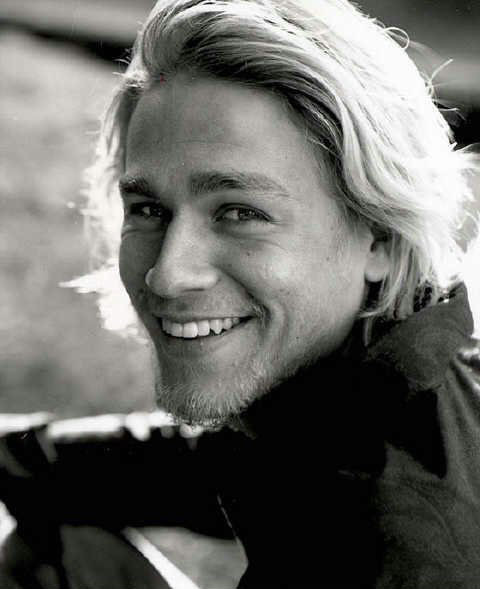 600full-charlie-hunnam_large