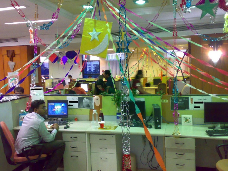 Office Cubicle Design Ideas diy office cubicle decorating ideas Awesome Modern Style Office Cubicle Decoration Design Ideas With Unique Christmas Interior Design In Colorful Accessories For Inspiration By Claffisica We