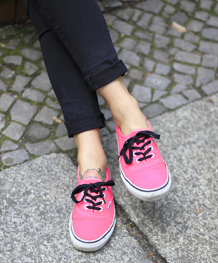 Hoard of trends outfit neon pink vans. | We Heart It | vans neon pink