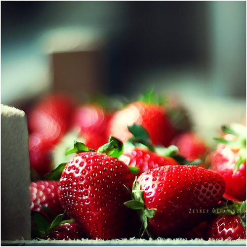 Strawberry_by_estellamestella_large