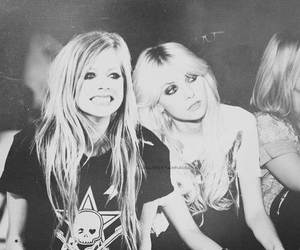 119 images about The Pretty Reckless on We Heart It | See ... Taylor Momsen Instagram