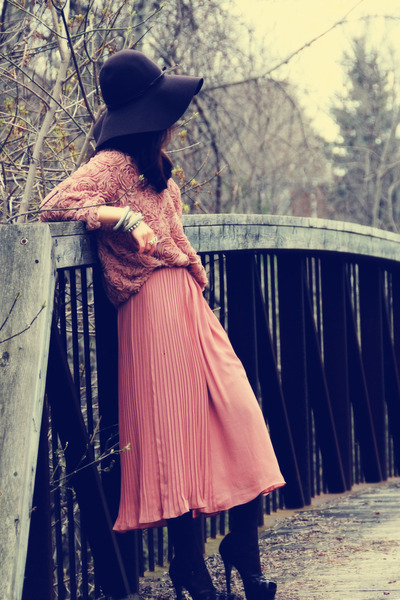 Dark-brown-h-m-hat-pink-h-m-shirt-pink-american-apparel-jumper-crimson-ysl_400_large