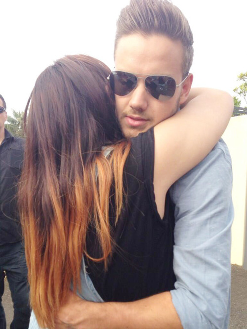 Liam Payne Hugging Fans Group of life is beautiful