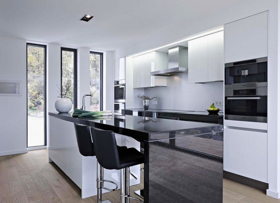 Gorgeous Kitchen Design White Cabinetry And Glossy Kitchen Table ...