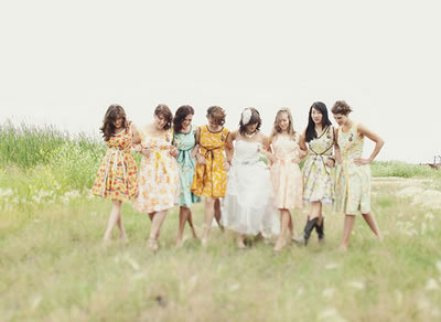 Retro Bridesmaid Dresses on Mismatched Vintage Floral Bridesmaid Dresses   The Natural Wedding