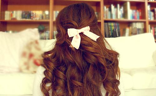 Big-curls-books-bow-brown-brunette-curly-favim.com-45817_large