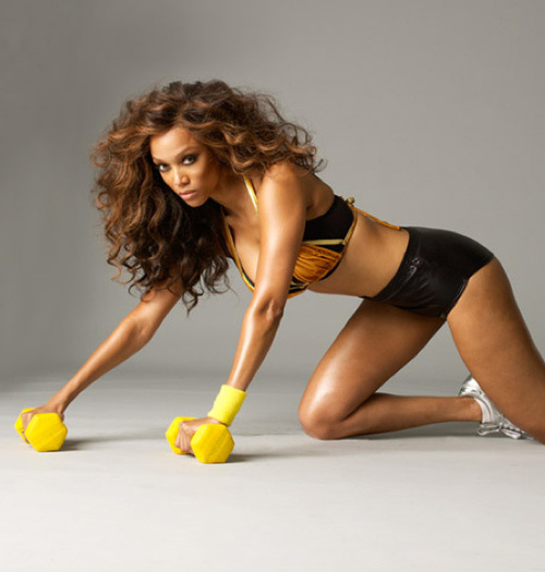 Sweat-with-style-tyra-banks-16583063-528-554_large