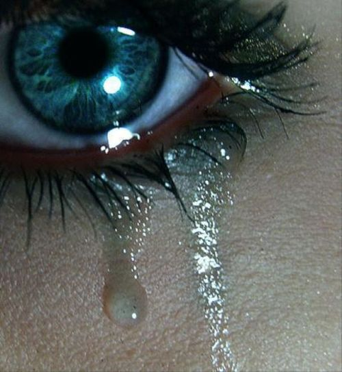 http://data.whicdn.com/images/9957702/tears-depression_large.jpg?1305921891