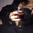 kadehdeki kutsal şarap