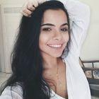 Isadora Nogueira