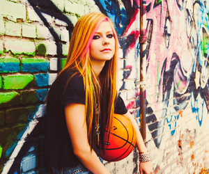 Avril Lavigne and what the hell image