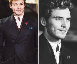 sam claflin, Hot, and finnick image