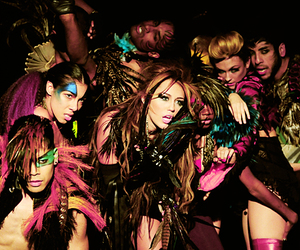 miley cyrus and cant be tamed image