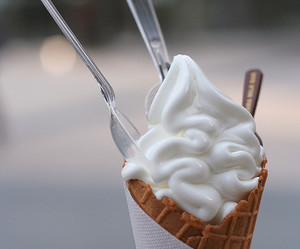 food, ice cream, and vanilla image