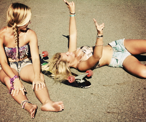 blonde, fashion, and friendship image