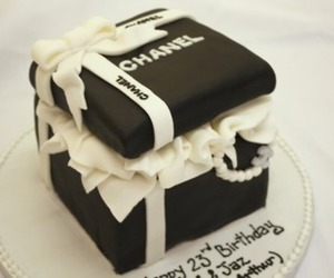 cake and chanel image