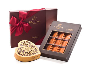 valentines day, valentinechocolates, and chocolatedeliveryhungary image