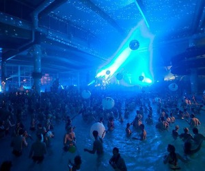 rave and water image