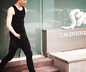 lay, exo m, and sm entertaiment image