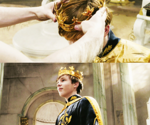 king, narnia, and william moseley image