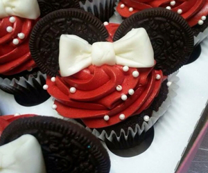 cupcakes, delicious, and minnie mouse image