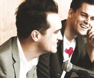 bden, brendon urie, and panic! at the disco image