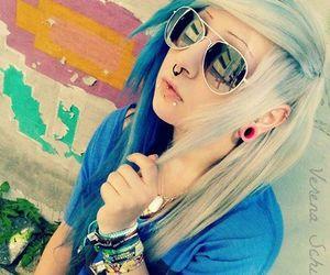 alt girl, cute girl, and dyed hair image