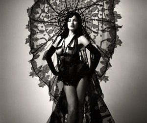 Dita von Teese, burlesque, and black and white image
