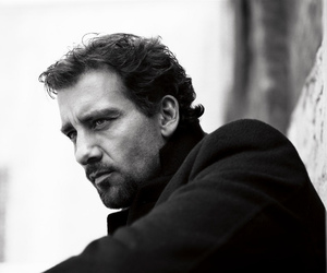 black and white and clive owen image
