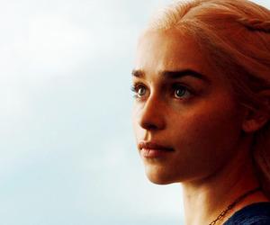emilia clarke and daenerys targaryen image