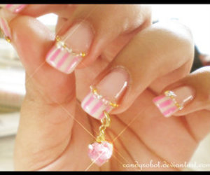 deco, glamourous, and 3-d nails image