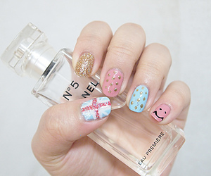nails, chanel, and perfume image