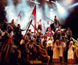 barricade, students, and les mis image