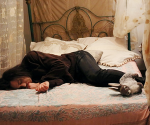 tom hiddleston and only lovers left alive image