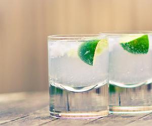 drink, ice, and lemon image