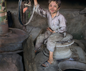 kids, steve mccurry, and hard to look at image