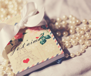 pearls, paris, and book image