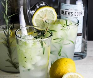 drink and lemon image